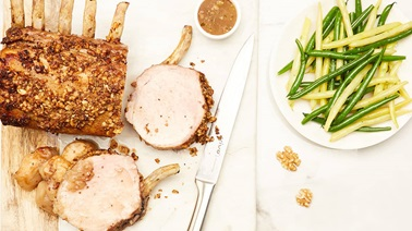 Rack of pork with apples and nuts
